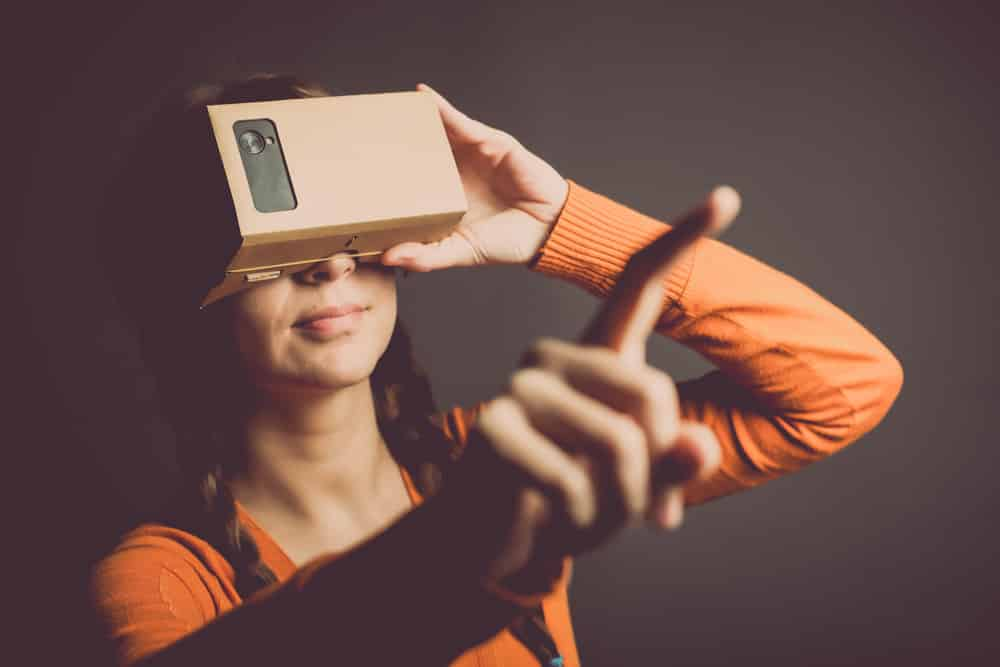 Social Tech - Virtual Reality may change our behavior