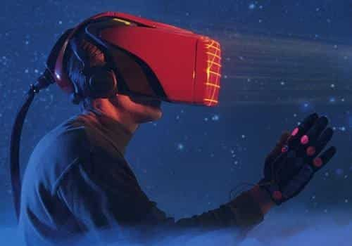 virtual reality headset attempts to eliminate latency