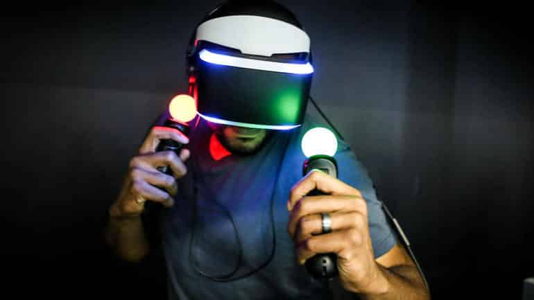 sony project morpheus headset and controllers